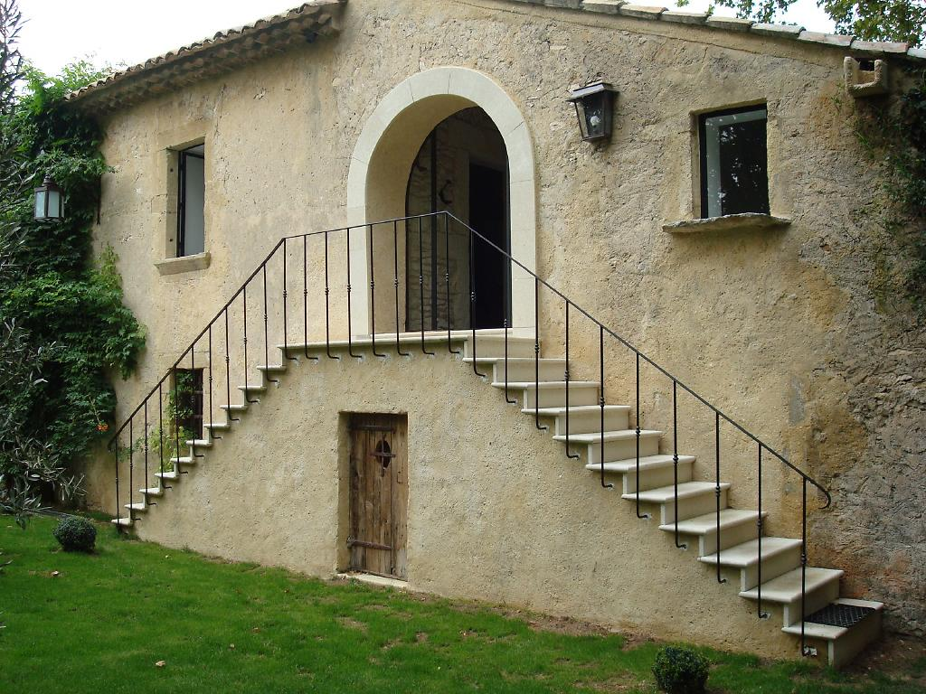 Escalier en pierre naturelle for Placage exterieur