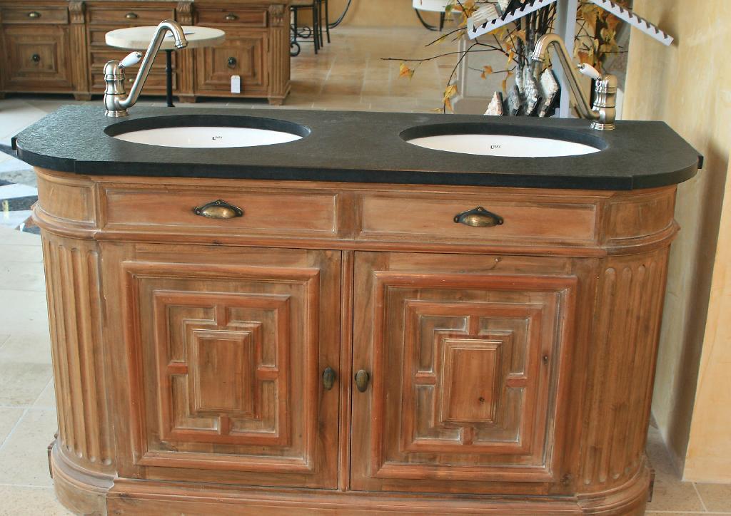 plan pour salle de bain en pierre marbre ou granit. Black Bedroom Furniture Sets. Home Design Ideas
